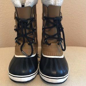 """Sorel """"Yoot Pac"""" Kids Waterproof Snow Boot!"""